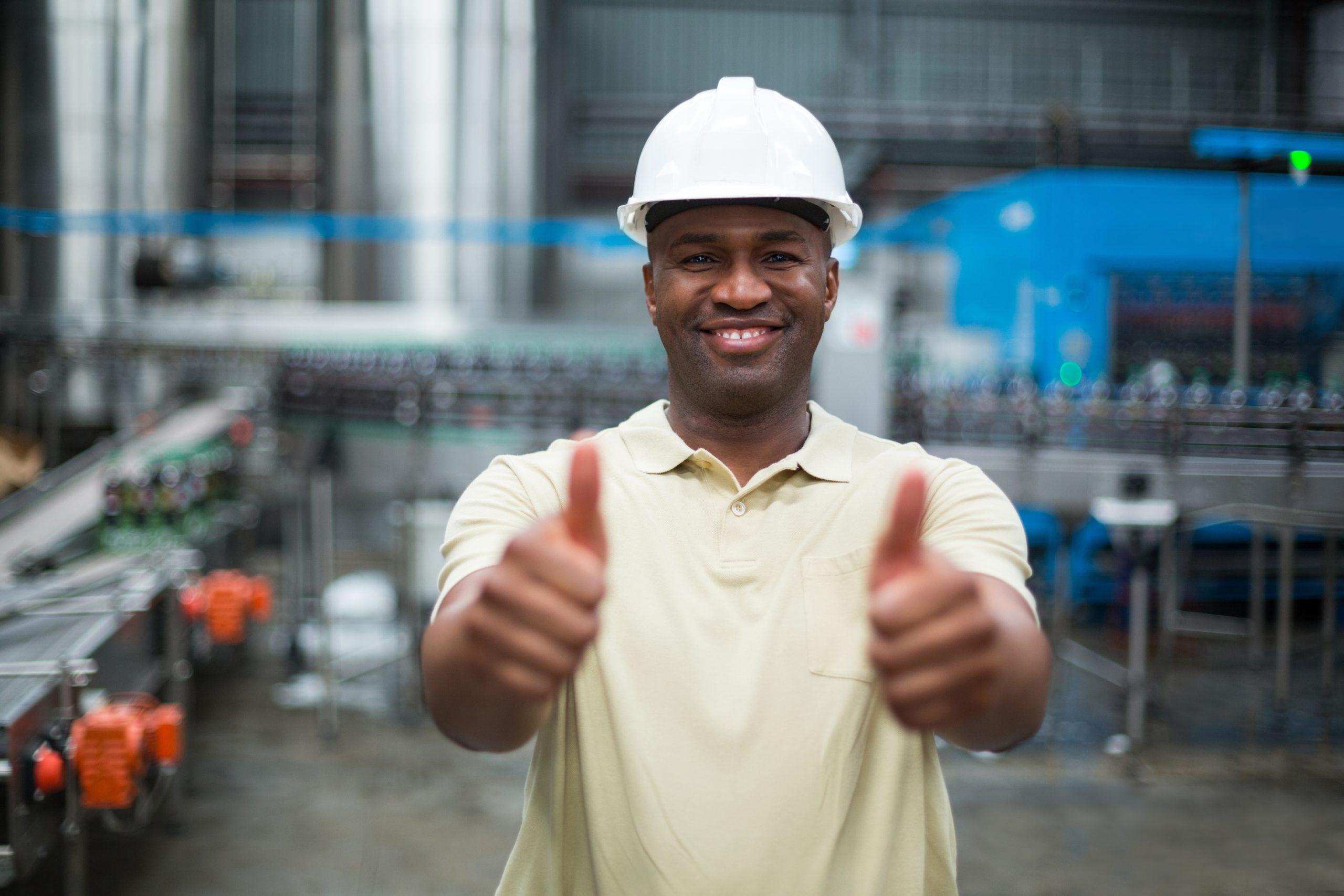 できれば人前に立たない仕事なら工場一択です