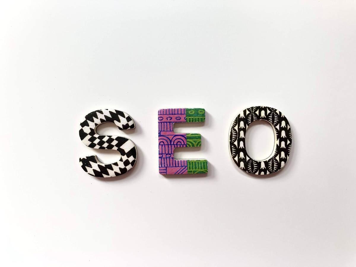 ブログ1記事の文字数はSEO的に規定はありません