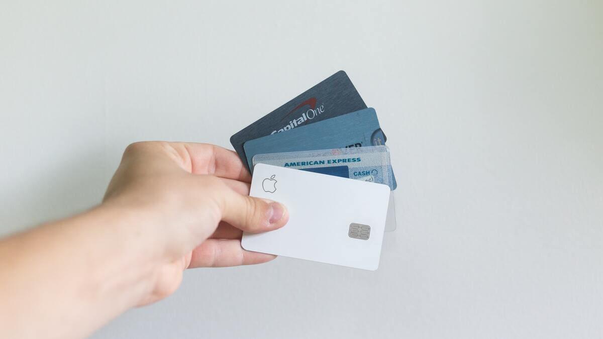 【知らなきゃ損】ペイロールカードに給料が振り込まれるってどういうこと?