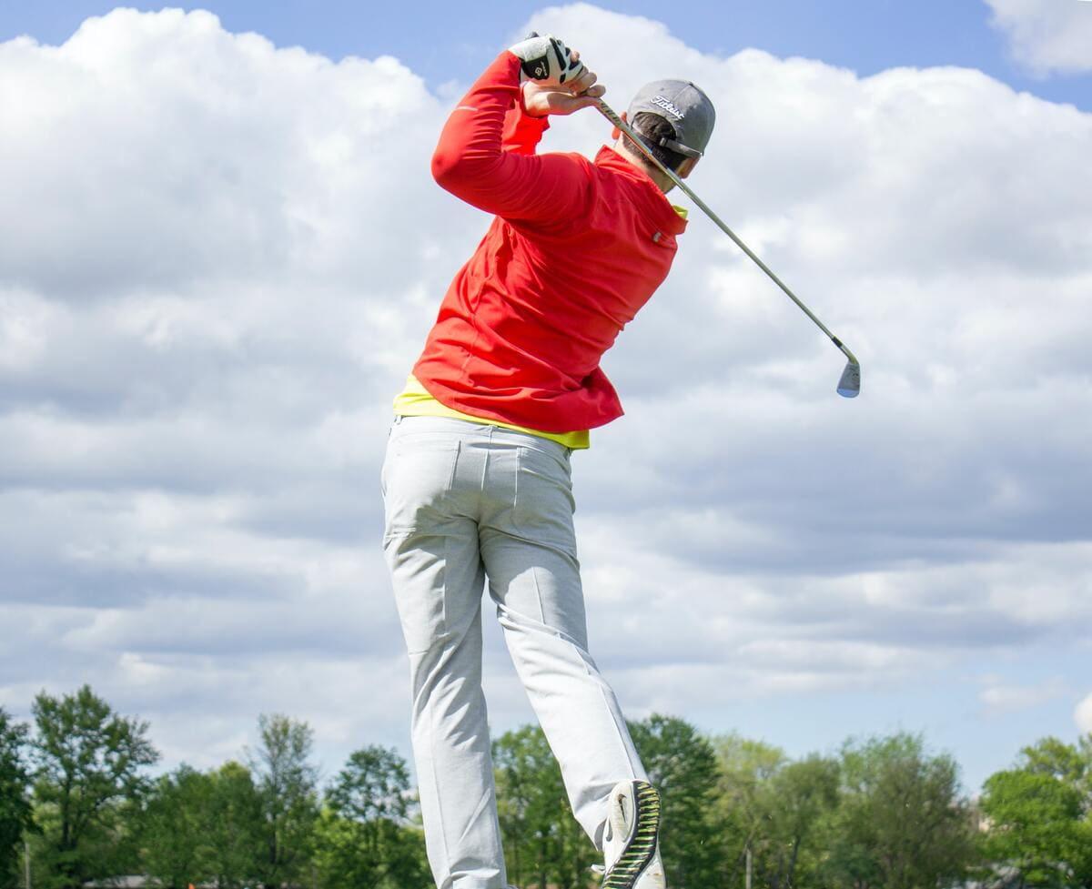 ゴルフスイングの基本が学べる教材3選【100切りできないゴルファー限定】