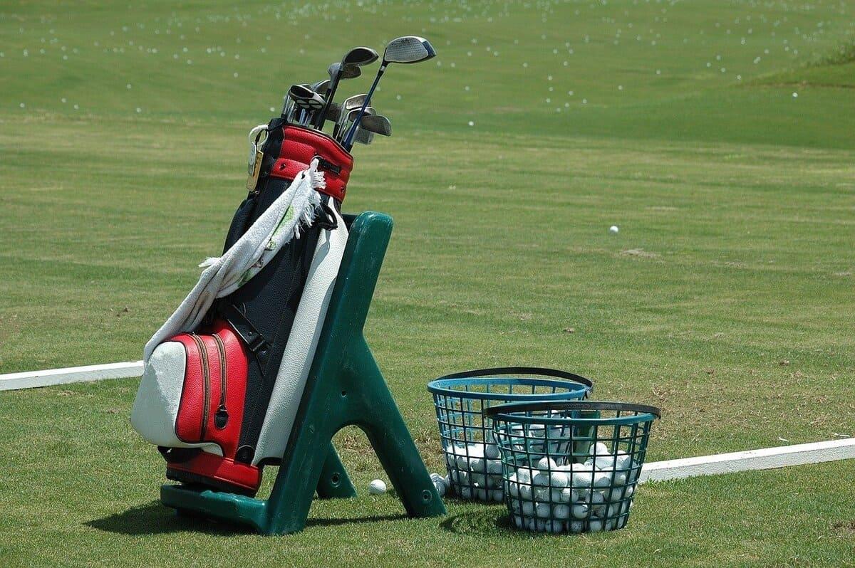 ゴルフは独学でも100は切れる